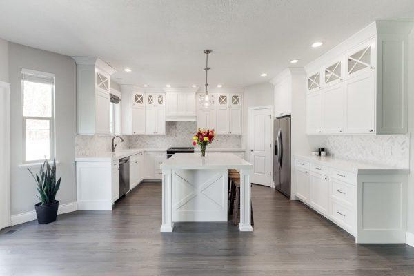 White Custom Cabinet Design in Utah